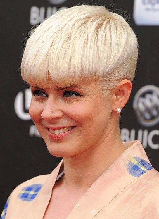 Short hairstyles appears modern and fashionable. There are various kinds of short hairstyles which suit women from all ages.Anyone can choose it and it can be proper for formal and informal situations. Chic Short Haircuts: Layered Pixie Hairstyle/Via The length of the sleek hair is jagged cut and it reaches the collar. Leave only long[Read the Rest]