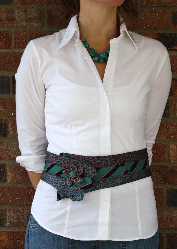 Cinturón hecho con corbatas.¡Original!