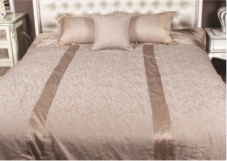 40-countthread Cotton Luxury Jacquard + Rayon 면40수 고급자카드 + 인견 Double 더블 240cm × 210cm      ₩598,000 Single 싱글 165cm × 210cm      ₩498,000