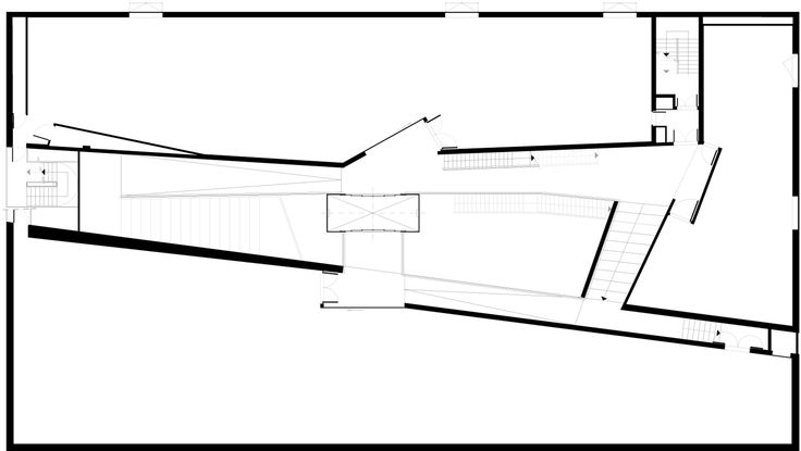 52fce3fee8e44e15890000be_frac-bretagne-museum-studio-odile-decq_first_floor_plan_copia.png (2000×1130)