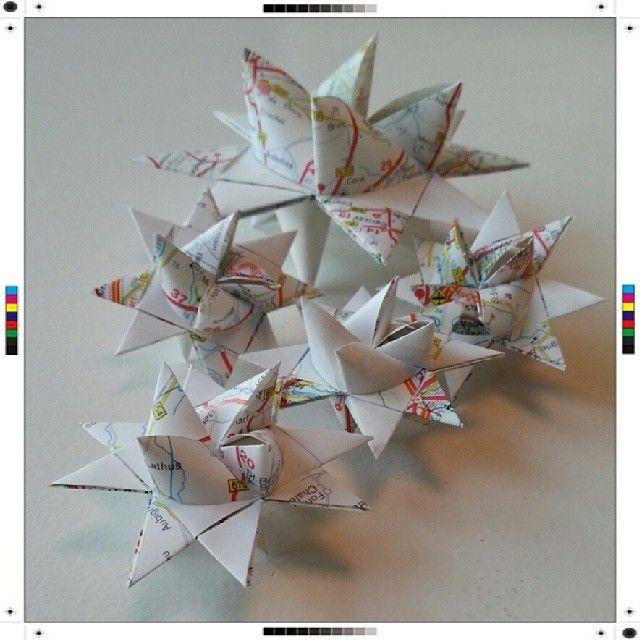 Pappersstjärnor. Paper craft.