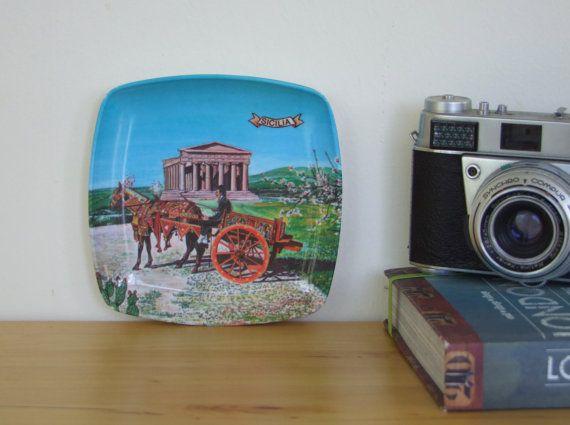 Retro Sicilia Ashtray w Donkey and Cart Motif. Webel, Italy - Plastic. 1960's/1970's - Amazing Condition