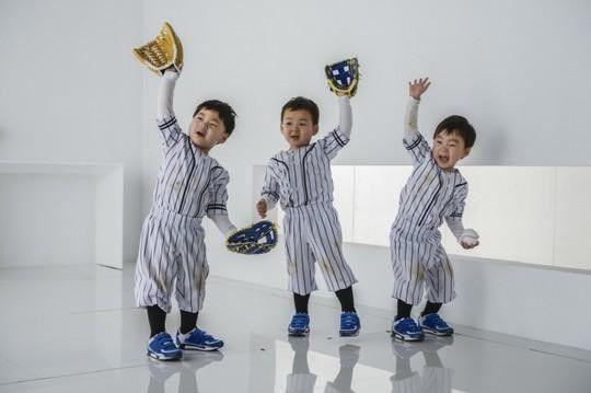Les triplés Song se transforment en joueurs de Baseball pour une publicité LG