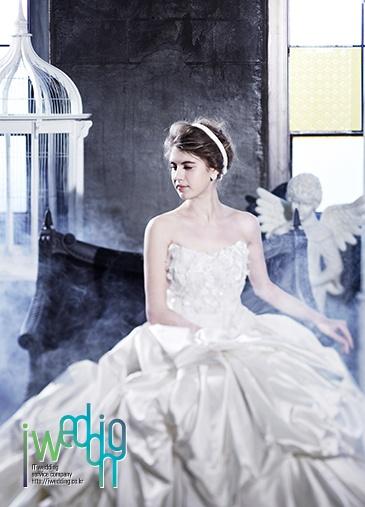 [아이웨딩 iwedding] 독특한 수입 웨딩드레스, 루이즈브라이드