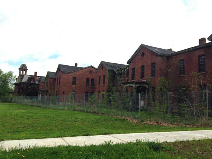 Abandoned Buildings in Ovid, NY at the Willard Asylum for the Chronic Insane