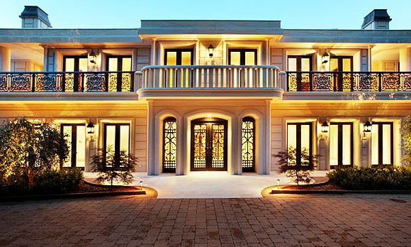 Beautiful mansions in the world top 10 most beautiful for The beautiful house in world