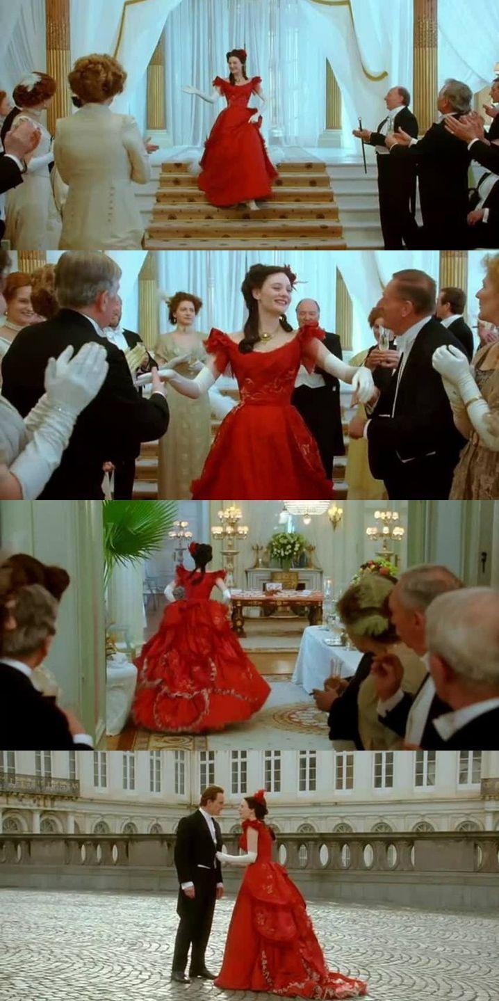"""Ромола Гарай (Romola Garai), безусловно, одна из самых талантливых актрис молодого поколения. А уж как она хороша и органична в костюмных фильмах и не вышепчешь. Весь её гардероб в фильме Франсуа Озона """"Ангел"""" (Angel, 2007) достоин восхищения, но красное платье - есть красное платье!"""