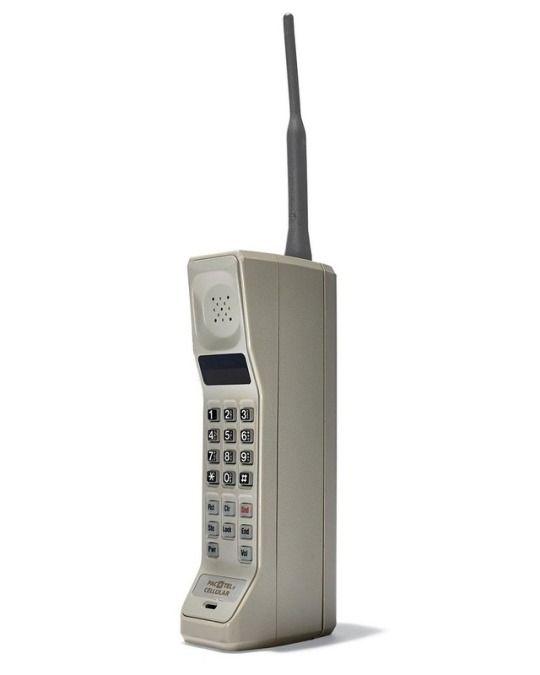 Motorola DynaTAC, 1984 - the first mobile phone