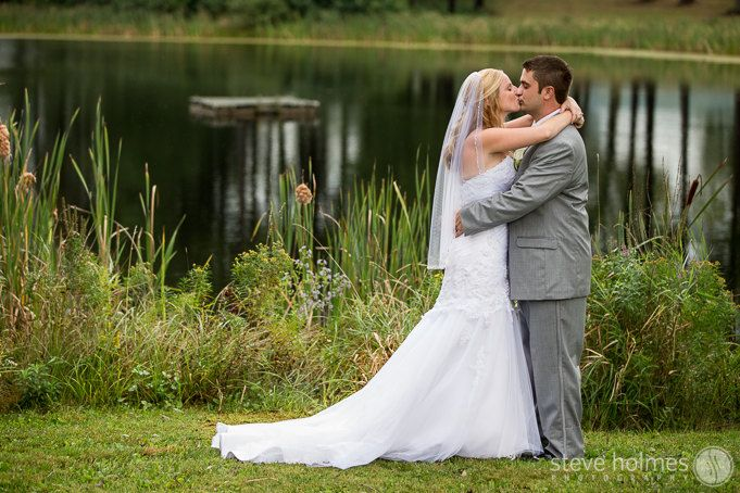 Pond wedding portrait – Alyson's Orchard, NH | Steve Holmes Photography