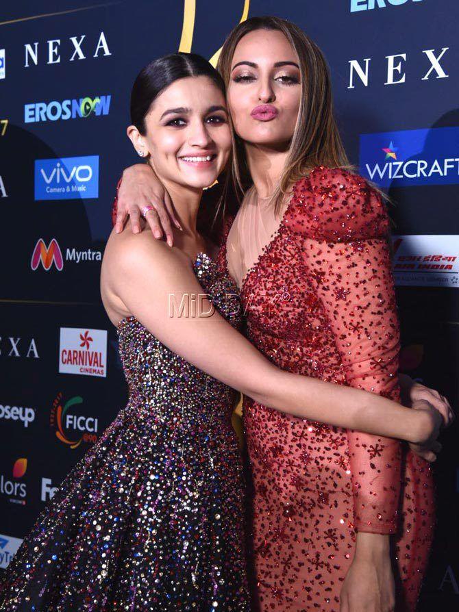 IIFA 2017: Shahid-Mira, Salman, Katrina wow fans in New York - Entertainment  #middaybollywood #bollywoodfashion #bolywoodphotos #bollywoodmovies #bollywoodphotos #bollywoodinstant #bollywoodactors #entertainment #iifa'17 #bollywoodbeauties