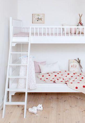 20 beste idee n over stapelbed kamers op pinterest slaapzalen witte stapelbedden en dubbele - Stapelbed kleine kamer ...