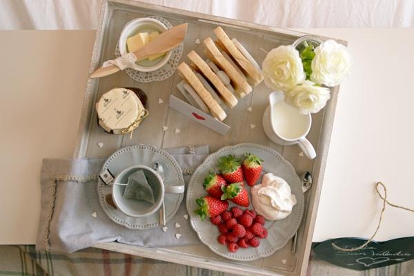 La chica de la casa de caramelo: Desayuno en la cama por San Valentín