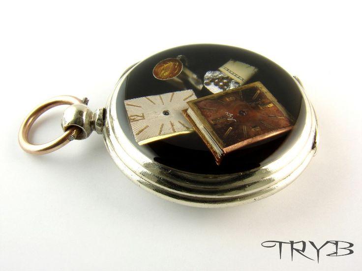 Clockwork books, tea / coffee and chocolate ...  pendant - miniature model :)  http://polandhandmade.pl  #polandhandmade #clockwork #cogs #pendant #tryb #jewelry #poket #watch #book #coffe #chocolate