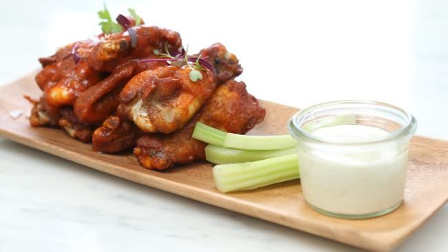 Dining review: Paddington Royal Hotel serves up posh pub grub, including its chicken hot wings #foodporn #dineout #Sydney #restaurants