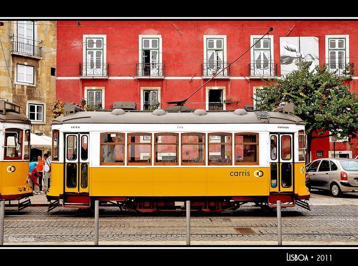 A charming tram - Lisboa - Alfama, Lisbon, Portugal