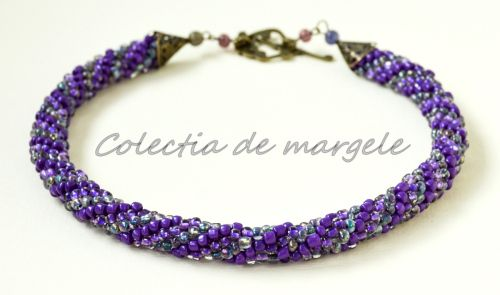 Purple wonderland - corchet beading necklace www.colectiademargele.ro