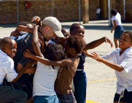 Volunteer Programs and Projects in South Africa. Despite the country's amazing diversity, South Africa's communities and environment face many challenges.
