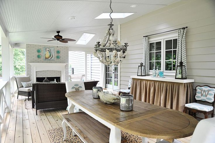 Beautiful sun porch! Its looks like someone's actual interior space!: Screens Porches, Southern Style, Southern Porches, Back Porches, Porches Ideas, Covers Porches, Dreams Porches, Southern Home, Oysters Shells