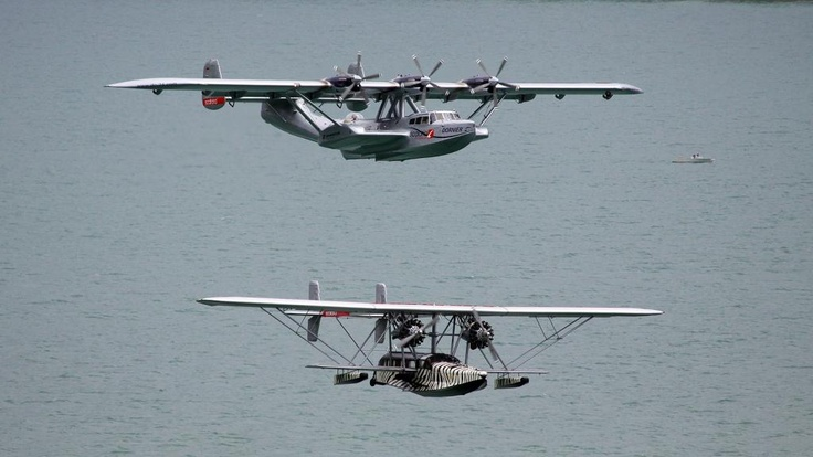 Treffen der Legenden DO24 ATT und Sikorsky S38 im Überflug