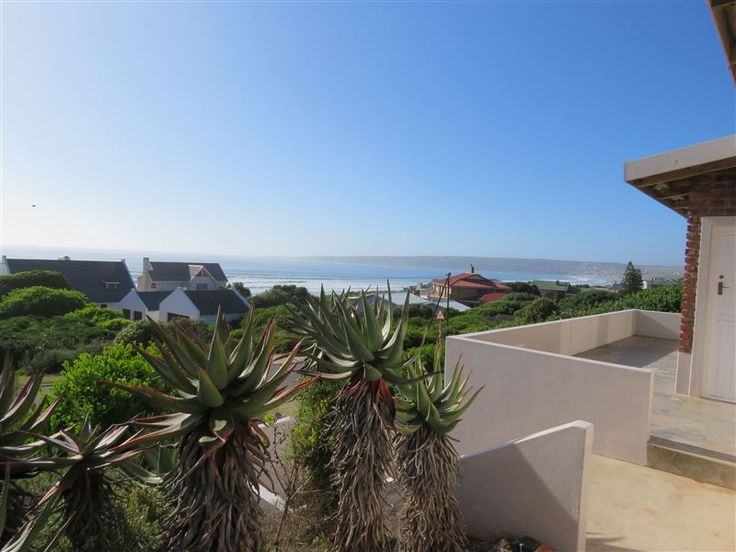 Baltimore Beach Cottage - Baltimore offers comfortable self-catering accommodation in a three-bedroom house offering sea views, situated within close proximity to the beach in the small seaside village of Boggoms Bay, just south ... #weekendgetaways #mosselbay #southafrica