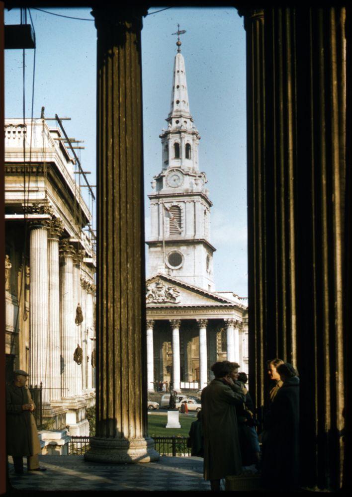London, St Martins in the Field, 1957. Photo Sheila Micholson.
