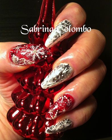 Unghie Rosse E Bianche Natale by SabryNails from Nail Art Gallery