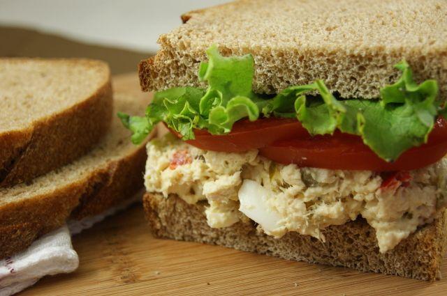 Traditional Southern Chicken Salad {the secrets revealed}  www.thekitchenismyplayground.com  #chickensalad