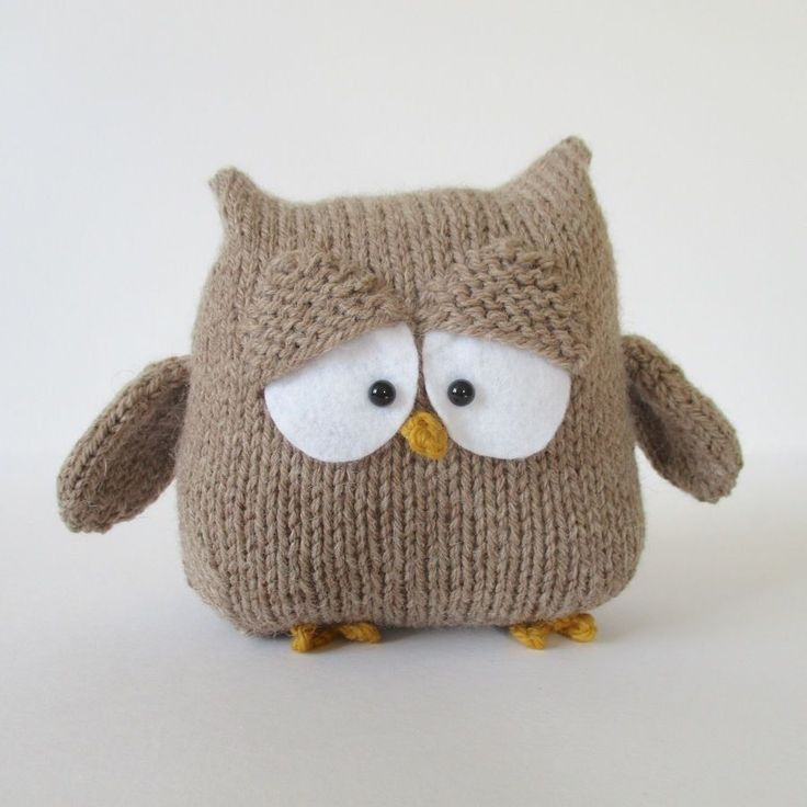Pattern For Knitted Cushion Covers : 191 best images about Owls on Pinterest Free pattern, Knitted owl and Owl p...
