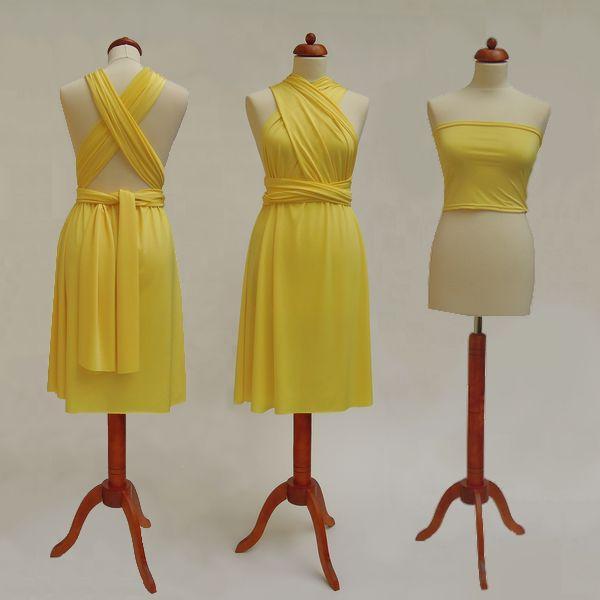 Krátké žluté Convertibles® šaty 👑 #zlutesatyconvertibles Každé #satyconvertibles mají k sobě bolerko/top ve stejné barvě, které si můžete vzít přímo na tělo nebo použít jako krycí díl vašeho vlastního spodního prádla. Šaty ale můžete nosit i bez něj a nechat tak vyniknout svá záda 👌
