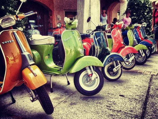 the many colours of vespas
