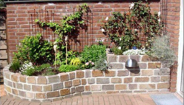 Ein Hochbeet Im Garten Sieht Super Aus Und Lasst Sich Ruckenschonend Bearbeiten Lass Dich Von Diesen 15 Schone Garten Natursteine Garten Garten Landschaftsbau