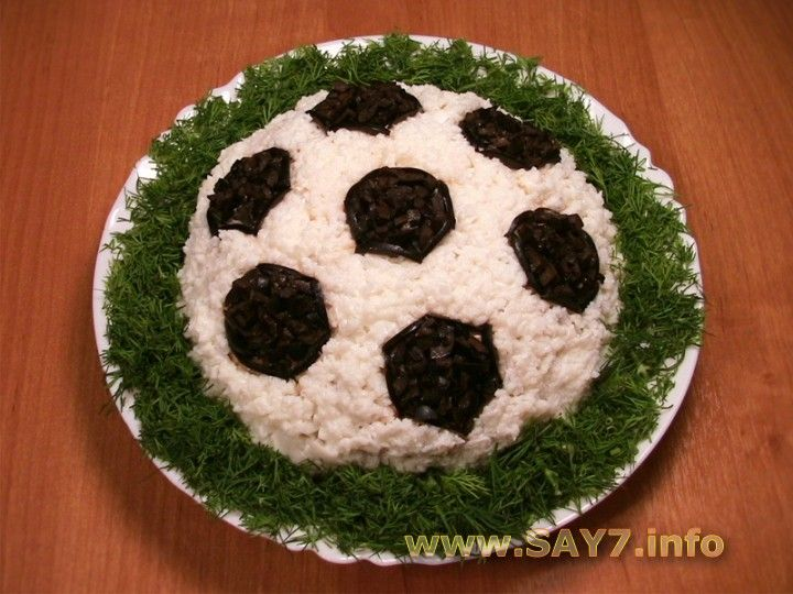 """Салат """"Футбол"""" для детского праздника"""