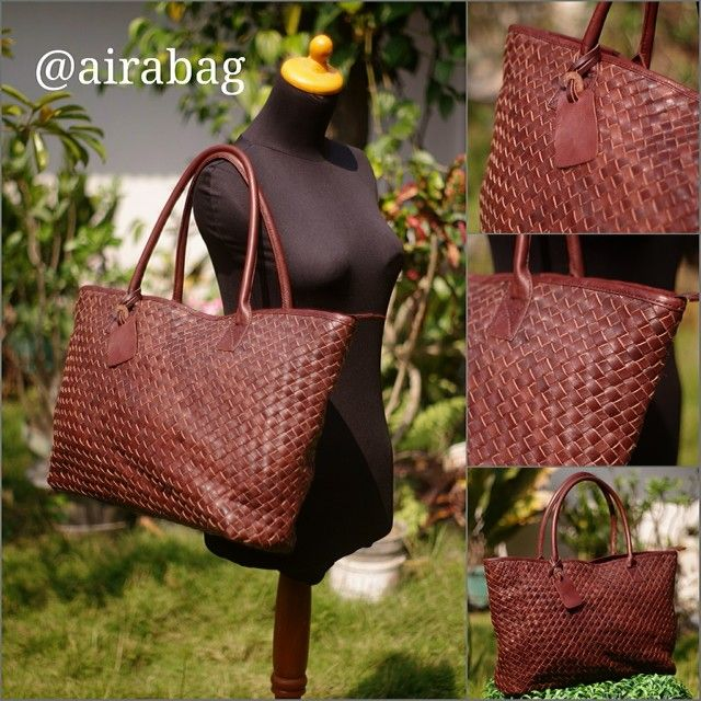 Hughes bag Warna : darkbrown Material : kulit sapi pull up Size : 45 x 12 x 30 Lining : suede Idr : inbox Silahkan add : HP/SMS/WA : 0822.3070.1020 PIN BBM : 767E6C2E,