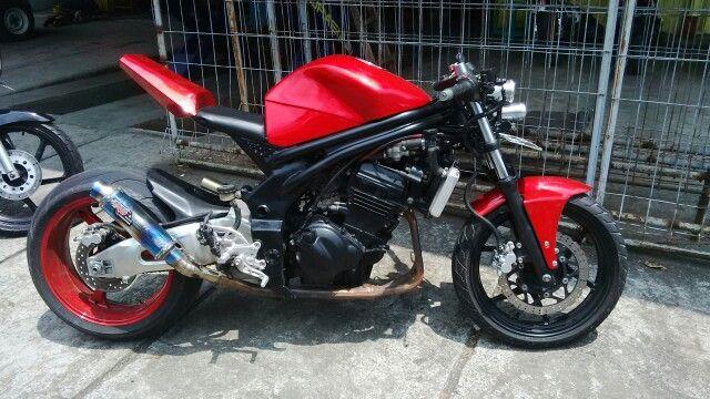 Kawasaki Ninja 250cc, custom streetfighter bike. Rear swingarm+shock+rim (CBR1000RR)