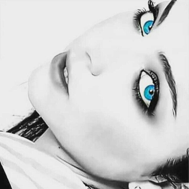 The most beautiful eyes of the world... Amy Lynn Hartzler