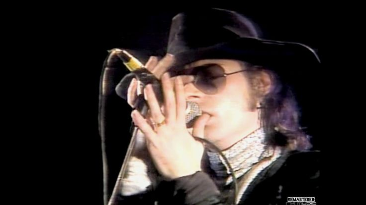The Sisters of Mercy - Live in Concert - Wake - Full Show - Min.56:46 - ...