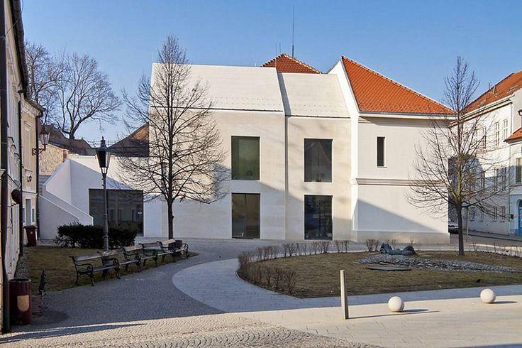 Mikulov má architektonickou perlu. Soukromá Galerie Závodný, otevřená na sklonku minulého roku, získala v prestižní soutěžní přehlídce soudo...