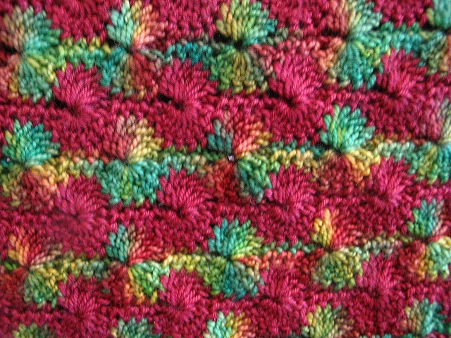 Catherine Wheel Pattern Using A Solid And A Varigated Yarn