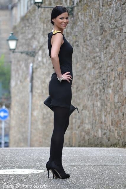 PAULA DEIROS´S SECRETS: Black Dress with Gold Shoulder ...