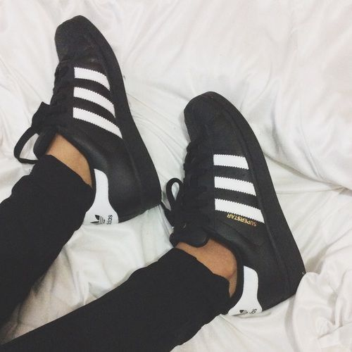 black adidas superstar