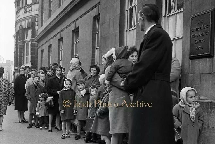 Lord Edward Street, Dublin 1963 - Smallpox vaccinations.