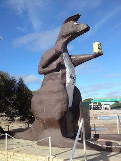 My Australian Adventure: Big Things • the big kangaroo at Border Village South Australia • aussie big things Australia