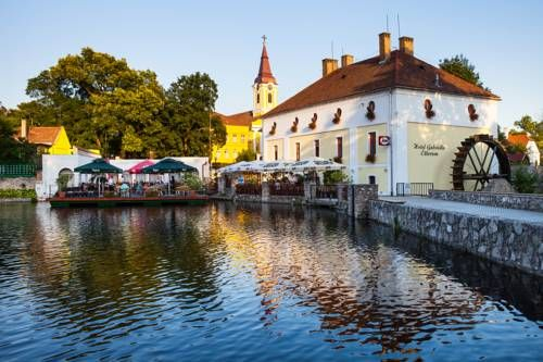 Hotel Gabriella (***)  RUDIN BILANGIONE has just reviewed the hotel Hotel Gabriella in Tapolca - Hungary #Hotel #Tapolca  http://www.cooneelee.com/en/hotel/Hungary/Tapolca/Hotel-Gabriella/1563096