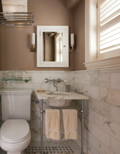 Small Bathroom Secrets: How to Pick the Right Mirror