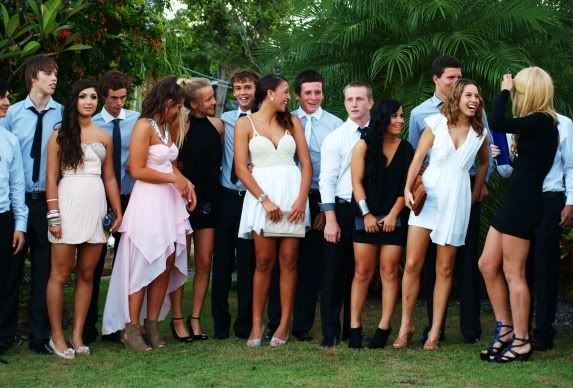 A Freshman Girl's Guide to College Formals