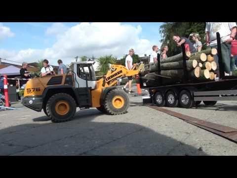 RC Truck (Jesperhus 2016 Unloading Logs) - YouTube