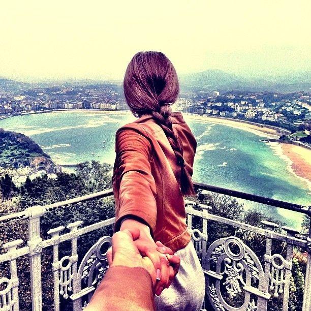 Photographer Follows His Girlfriend Wherever SheLeads