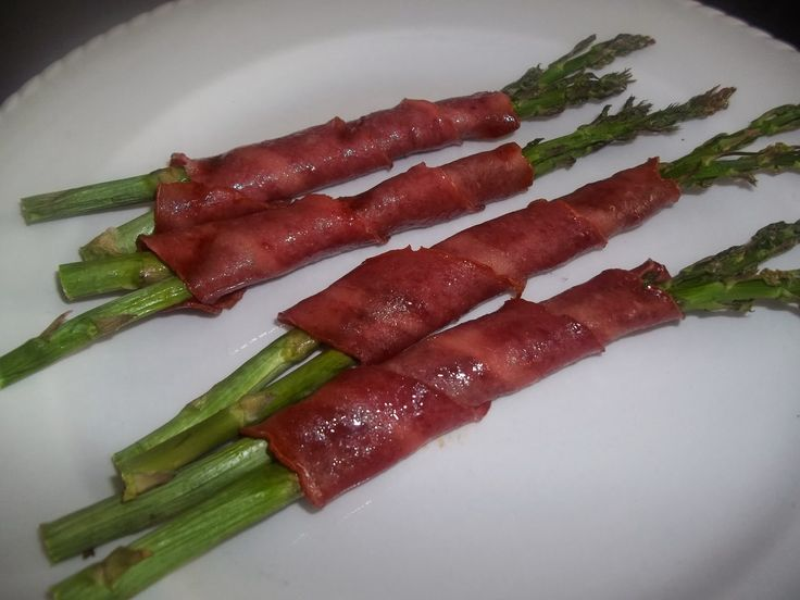 Fast Metabolism Diet Phase 2-Easy Turkey Bacon Wrapped Asparagus