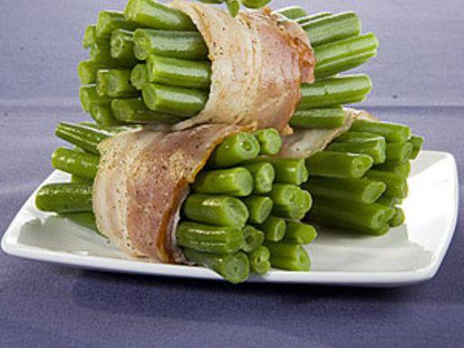 matière grasse, poivre, lard fumé, haricot vert, cube de bouillon, ail, sel