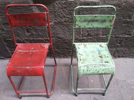 Sillas de estilo industrial realizadas con bidones por Mementosbcn, €76.00